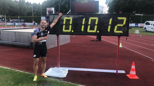 Silvan Wicki läuft in Bulle in 10.11s (inoffiziell 10.12s) eine neue PB