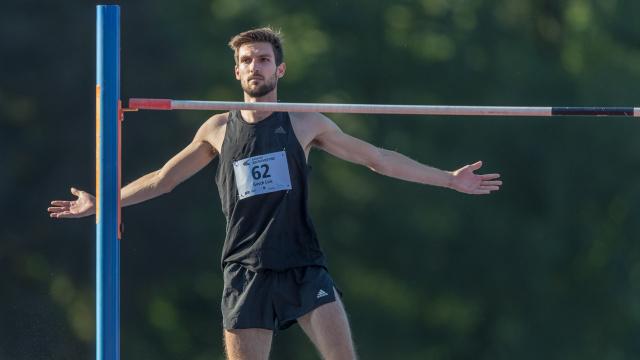 Loïc Gasch nach seinem Sprung über 2,30m